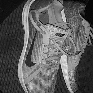 Women's Downshifter 8 Nike Running shoes size10